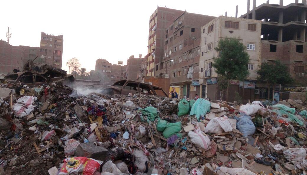 تجمعات للقمامة في مناطق بالخصوص.. ومواطن: «لم يتحرك أحد» لرفعها