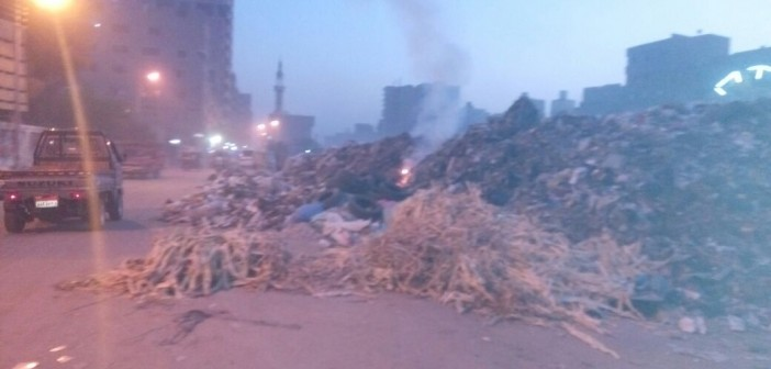 📸تجمعات للقمامة في مناطق بالخصوص.. ومواطن: «لم يتحرك أحد» لرفعها
