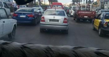 سيارة بدون لوحات معدنية في الإسكندرية