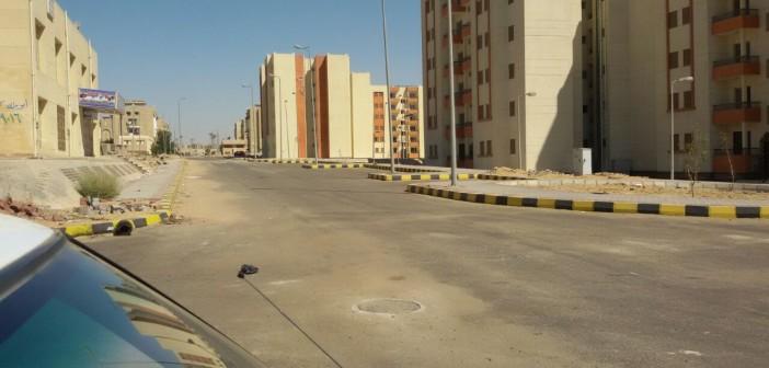 جهاز القاهرة الجديدة: السكان سبب طفح الصرف.. وتم رفع المياه في نفس اليوم (صور)