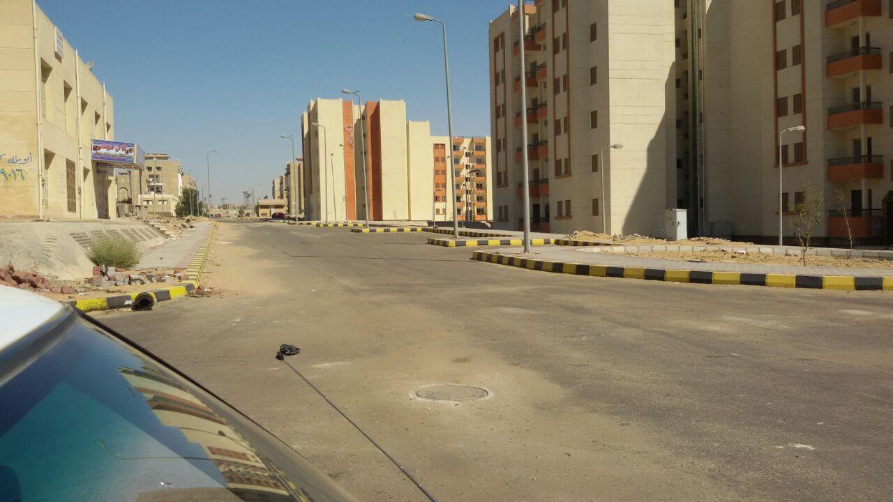 جهاز القاهرة الجديدة: السكان سبب أزمة الصرف وتم حلها في نفس اليوم (صور)