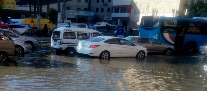 الإسكندرية| غرق شوارع بشاطىء النخيل في مياه الصرف (صور)