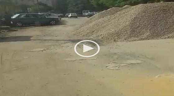 مواد البناء تُغلق شارع صالح سليم بالعباسية (فيديو)