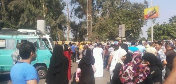 📸احتجاجات الأهالي على وقف توزيع «المصرية للأدوية» اللبن المدعم (صور)