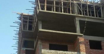 مواطنة تنتقذ تصريحات رئيس «المجتمعات العمرانية» بشأن «دار مصر»: «مفيش طوبلة اتحطت بعقار شقتي»