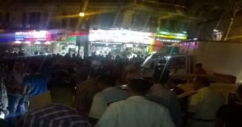 مواطنون يقطعون شارع رمسيس لعدم توافر اللبن المُدعم بصيدلية الإسعاف (صور)