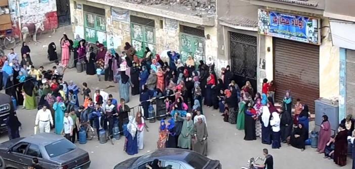 30 جنيهًا للأنبوبة.. عودة أزمة أنابيب البوتاجاز تعود للقليوبية