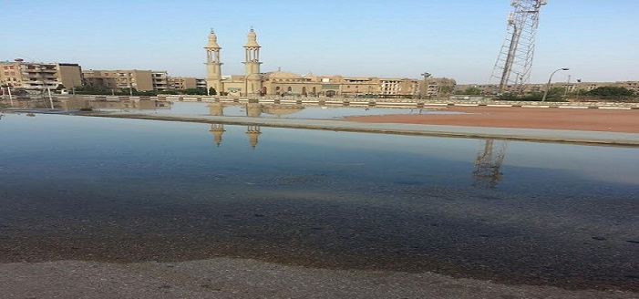 بالصور.. غرق شارع الشعراوي بـ«العبور» في مياه الصرف الصحي