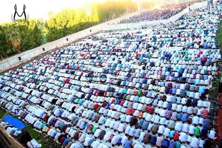 بالصور.. آلاف المصلين يؤدون صلاة عيد الأضحى بمدينة العمال (قنا)