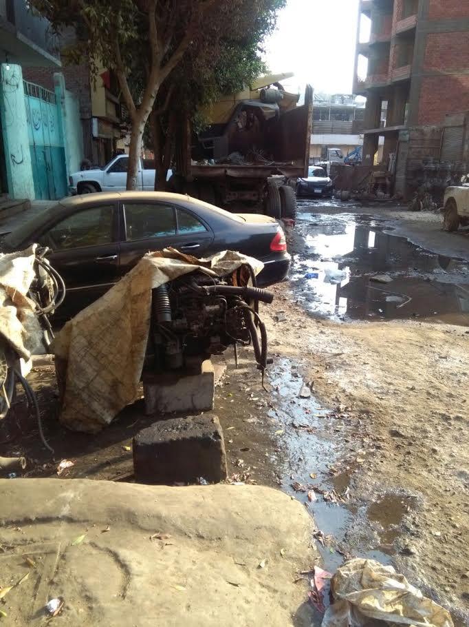 سكان «حي الساحل» بشبرا يشكون انتشار الخردة بالشوارع (صورة)