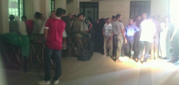 ركاب يشكون صعوبة حجز تذاكر السفر من محطة قطارات الأقصر (صور)