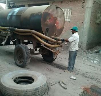 بالصور.. تفاقم أزمة الصرف الصحي في «الرست» بالشرقية