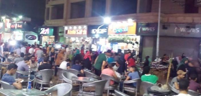 سكان شارع العريش بفيصل يشكون عشوائية المقاهي وشغلها للطريق (صور)