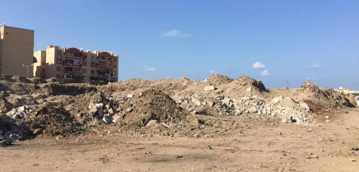 أهالي «الضواحي» ببورسعيد يشكون انتشار القمامة: لاحياه لمن تنادي (صور)