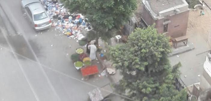 تفاقم أزمة القمامة والباعة الجائلين في محرم بك بالإسكندرية (صور)