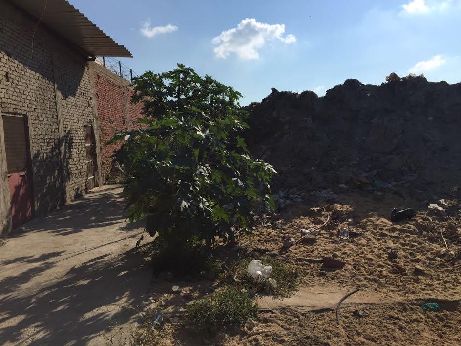 سكان «الضواحي» ببورسعيد يشكون انتشار القمامة: « ولاحياه لمن تنادي» (صور)