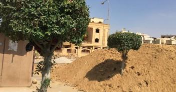 مواطن يتهم شركة مقاولات بتدمير حديقة الحي السابع بمدينة العبور (صور)
