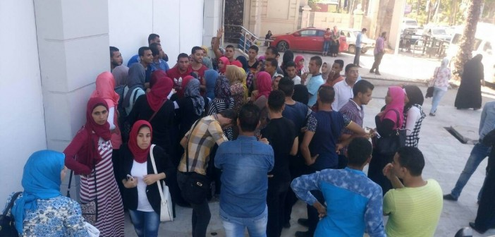 بالصور.. طلاب يقاضون معهد تمريض خاص بالإسكندرية بتهمة «التزوير»