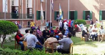 بالصور.. ارتباك بـ«كلية النصر للبنات» بالإسكندرية بعد إضراب شامل لمُعلمي وإدرايي المدرسة
