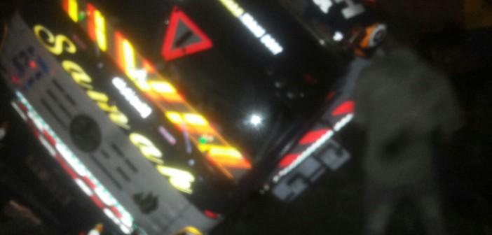 انقلاب سيارة مقطورة على طريق المعمورة بالإسكندرية (صور)