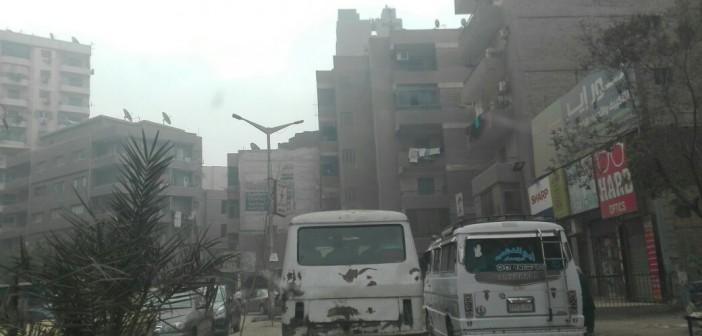 مواطن يرصد سيارات أجرة دون لوحات على خطوط سير رئيسية بالجيزة (صور)