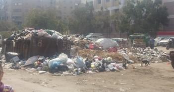 سكان شارع الأربعين بعين شمس يشكون تفاقم أزمة القمامة