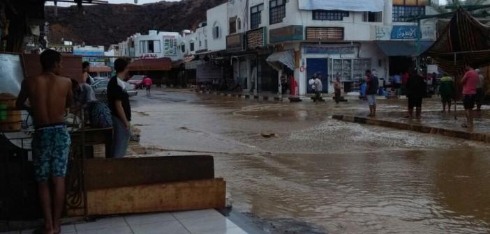 ▶️بالصور والفيديو.. سقوط أمطار وسيول جارفة في شرم الشيخ