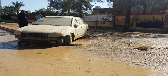 بالصور.. شوارع رأس غارب بعد سيول الليلة الماضية.. ومواطن: المدينة مُدمرة