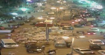 بالصور.. تفاقم أزمة القمامة يعرقل حركة المرور في ترعة السواحل بحي الوراق