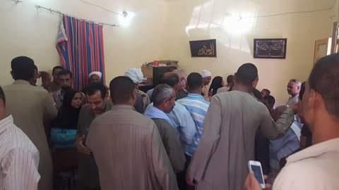 غضب مواطني مركز طما بسوهاج لتأخر صرف تموين شهر سبتمبر (صور)