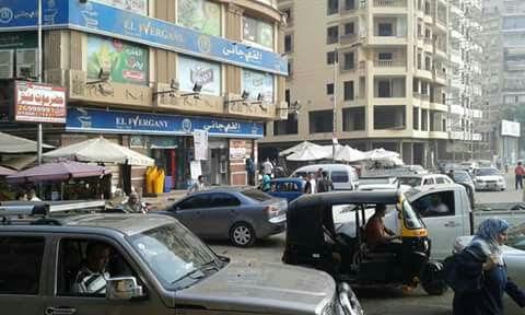 سكان منطقة «الحرفيين » يشكون الزحام وغياب التنظيم المروري (صور)