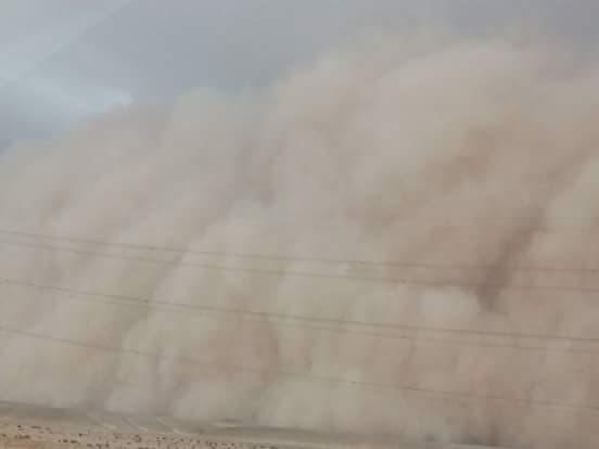 بالصور .. عاصفة ترابية تجتاح على طريق الجيش ببني سويف (صور4