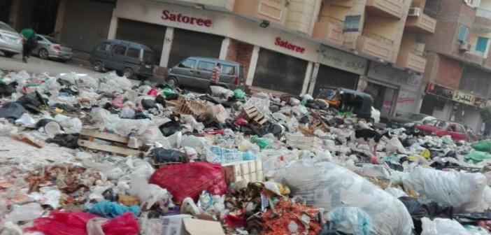 استياء بسبب انتشار القمامة في ميدان الساعة بفيصل (صورة)