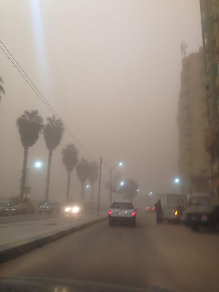 عاصفة ترابية تجتاح محافظة بني سويف (صور)