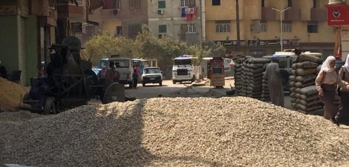 مواد بناء تغلق شارع في فيصل وسط استياء الأهالي وغياب المحليات (صور)