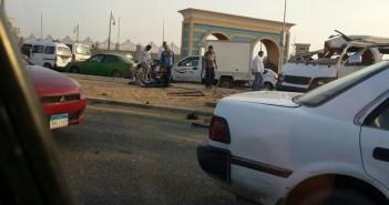 بالصور. حادث تصادم وانقلاب سيارة على محور المشير بمدينة نصر