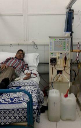 مريض فشل كلوي بمستشفى البحوث بالإسكندرية: لم نصرف العلاج.. و«مفيش فلاتر»