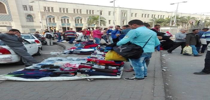 عودة الباعة الجائلين من سوق الترجمان لميدان رمسيس بعد عامين على إخلائه (صور)