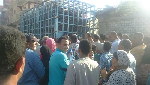في «أبوالنمرس».. أنبوبة البوتاجاز وصلت 25 جنيهًا و«مفيش رقابة»