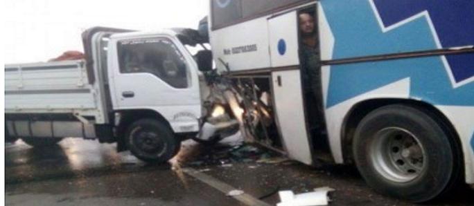 تصادم 9 سيارات على صحراوي مصر – الإسكندرية دون سقوط ضحايا (صور)