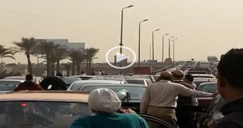 تعطل حركة المرور على كوبري الشهيد بالتجمع الخامس بسبب «مرور موكب»