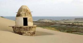 مسجد الخشوعي بكفر الشيخ مدفون في الكثبان الرملية بكفر الشيخ