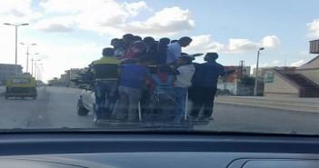 دمياط| مواطن يحذر من خطورة سيارات «الكابوت».. وتعريضها حياة الطلاب للخطر