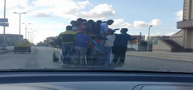 دمياط| مواطن يحذر من خطورة «أجرة الكابوت» على حياة الطلاب