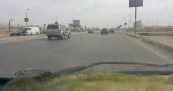 استجابة لـ«شـارك».. إصلاح هبوط أرضي بالكيلو 4.5 على طريق مصر – السويس (صور)