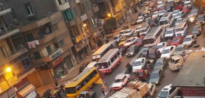 🚦سكان حي الظاهر يشكون من الأزمة المرورية اليومية (صورة)