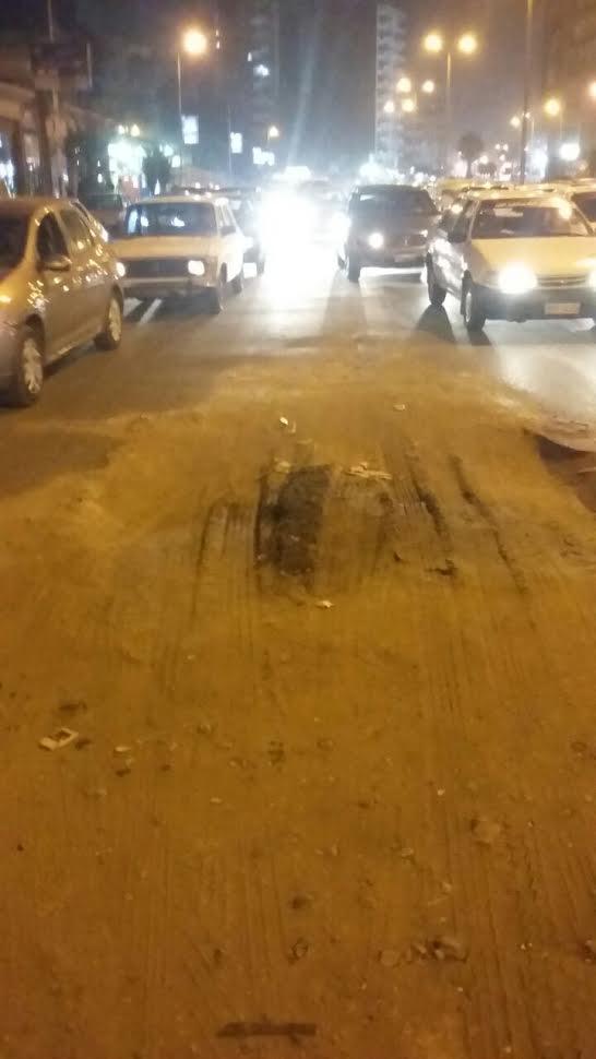 مواطن يحذر من حفرة بشارع بن الحكم بالزيتون.. ومسئولي الحي غائبون(صور)