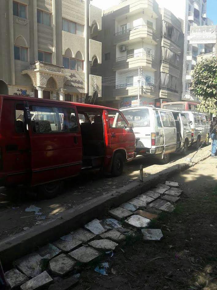 إضراب سائقي الميكروباص بـ«المحلة الكبرى» للمطالبة برفع الأجرة (صور)