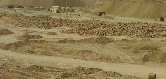 أسوان| 6 آلاف عامل بـ«النصر للتعدين» يطالبون بعودة العمل في المناجم: «اتشردنا»