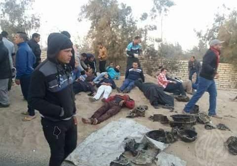 بالصور.. حادث مروع على طريق العبور – أنشاص بعد تصادم أتوبيس وسيارة